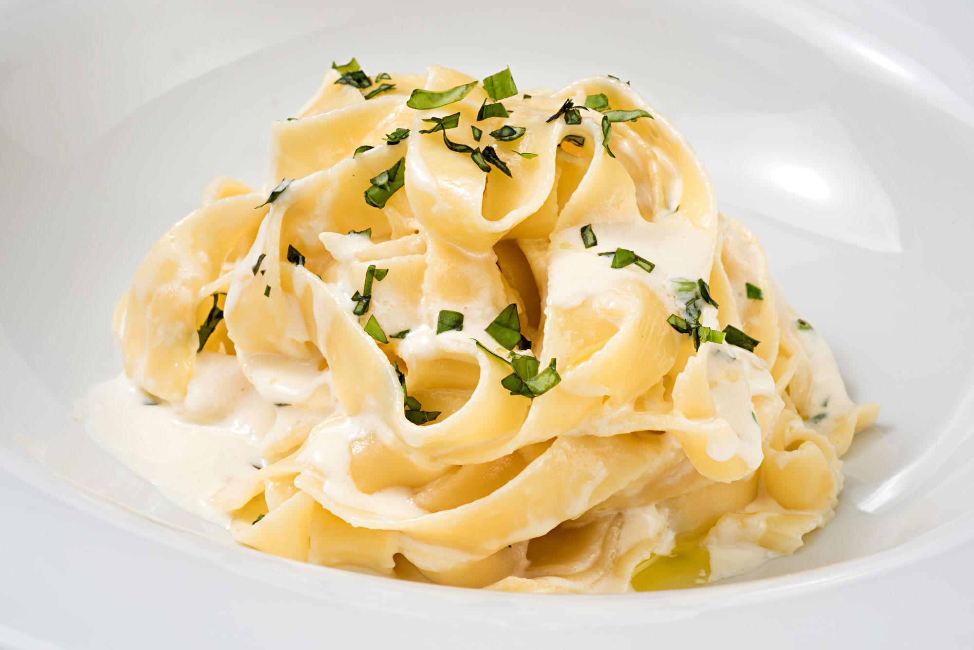 Broad Egg Noodles Romanoff Farmers Dairy