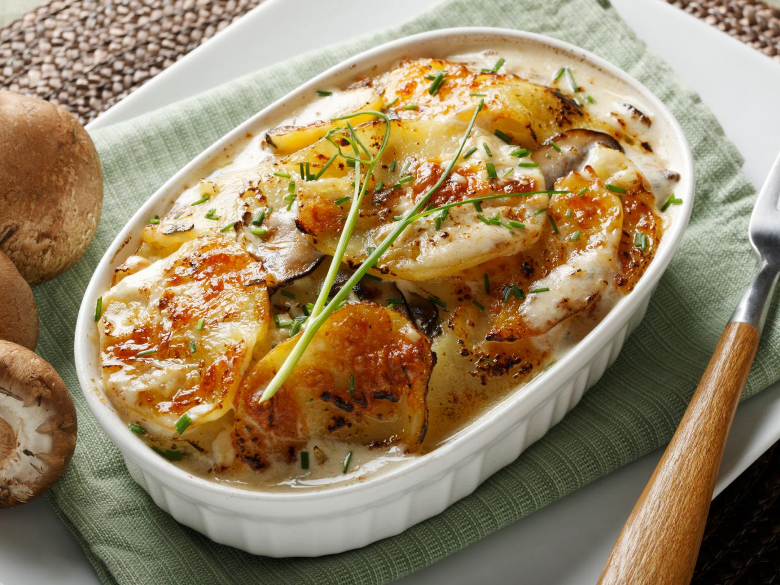 Cheddar Potatoes Au Gratin Recipe
