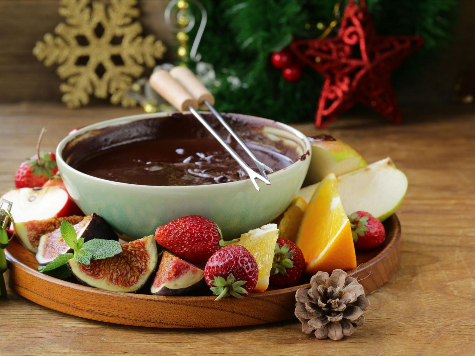 Christmas Eve Chocolate Fondue Recipe